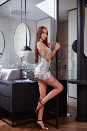 Yassmina erotic massage in Glendale and escorts