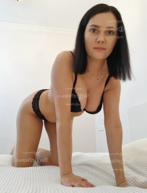 Aidee nuru massage in Weston
