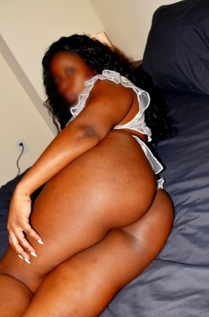 Annissa escort girl in Colonia New Jersey, tantra massage